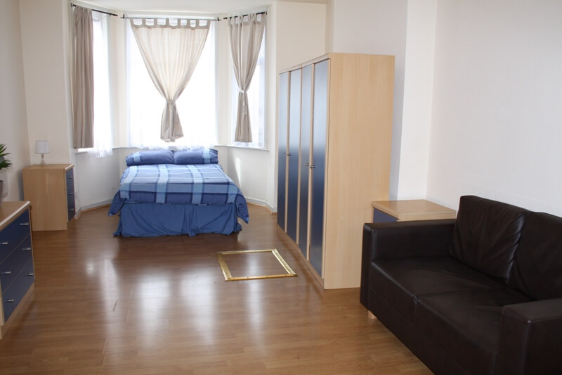 Estudios en Willesden Green L