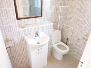 bathroom_room1