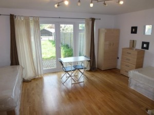 Habitación doble con baño en 1 Gaytor Terrace - 2