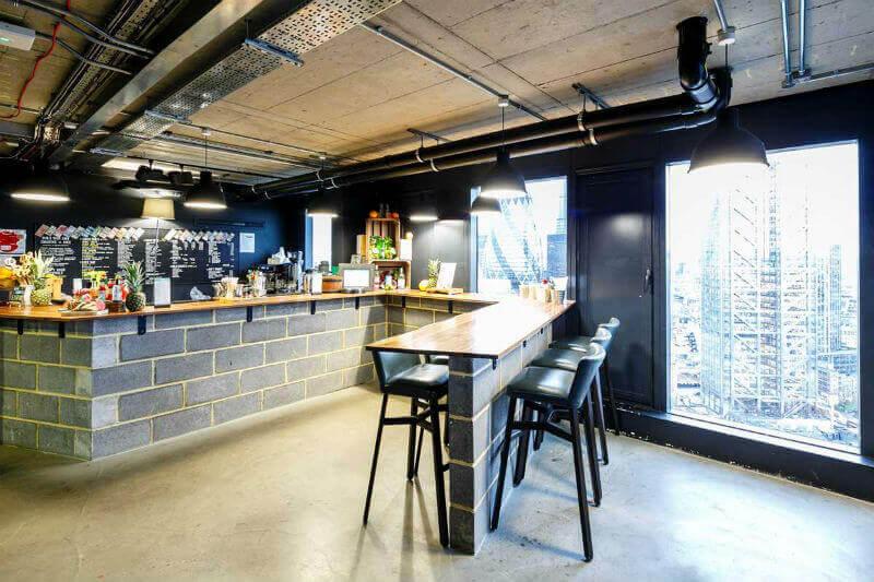 Bar en el piso 32