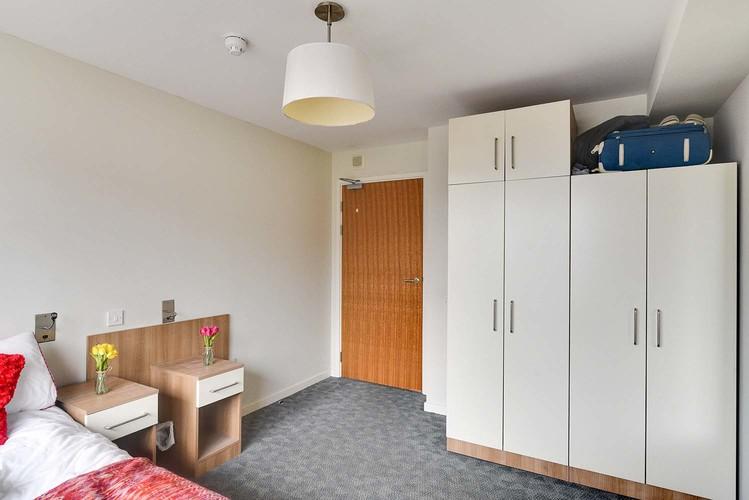Dormitorio Deluxe Plus